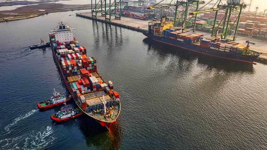 Ilustrasi kapal-kapal ekspor.