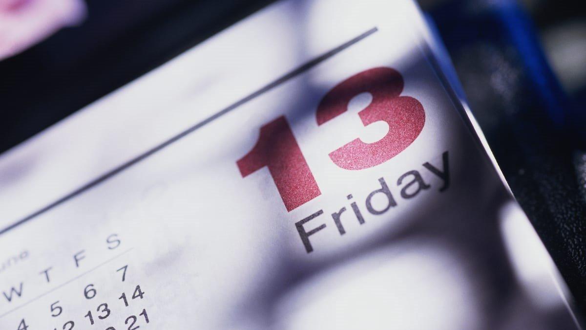 Kalender hari Jumat tanggal 13.