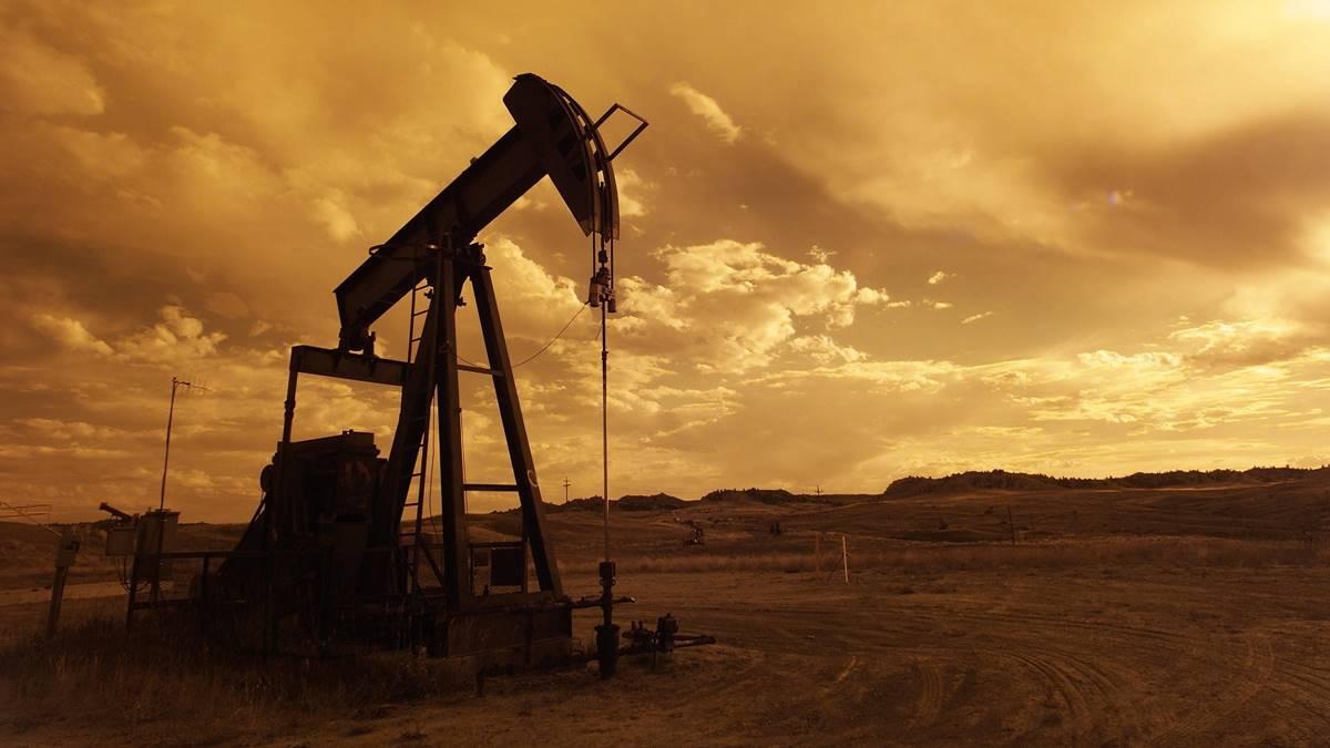 Ilustrasi tambang minyak.