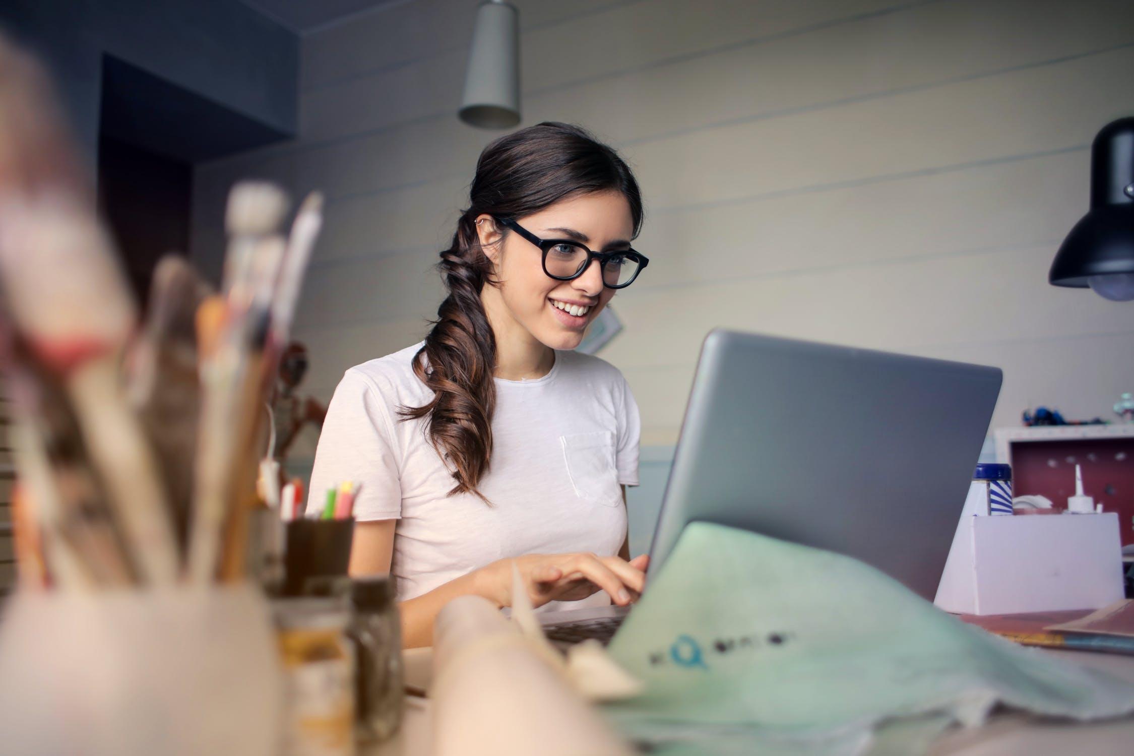 5 Rekomendasi Bisnis Modal Kecil Untung Besar untuk Pelajar