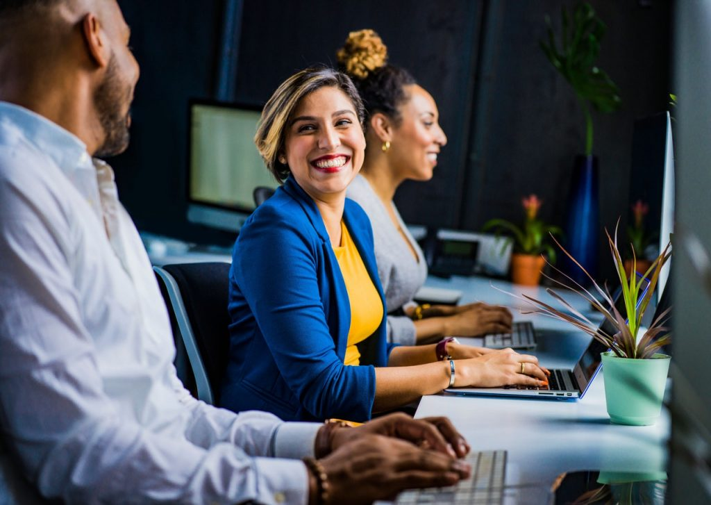 Bisnis sampingan bisa jadi jalan keluar dari rutinitas kantor yang menjemukan