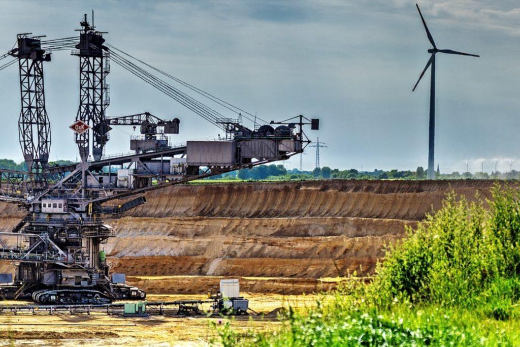 4 Keuntungan Memilih Investasi Saham Adaro Energy 2019!