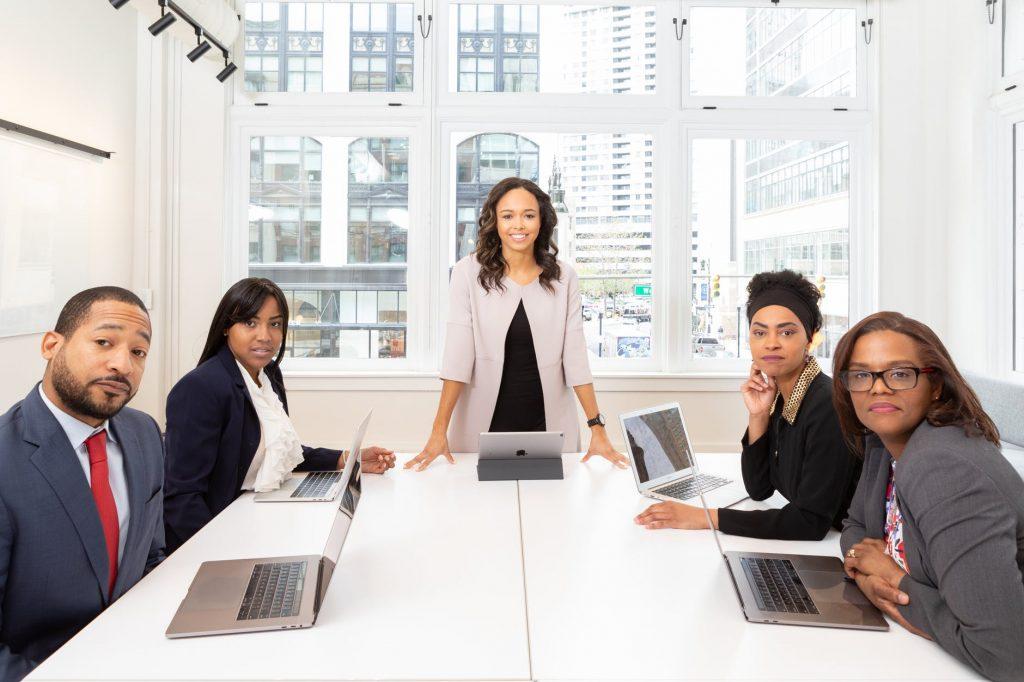 Asah Profesionalitas & Jiwa Etrepreneurship di Lingkungan Bisnis Ideal