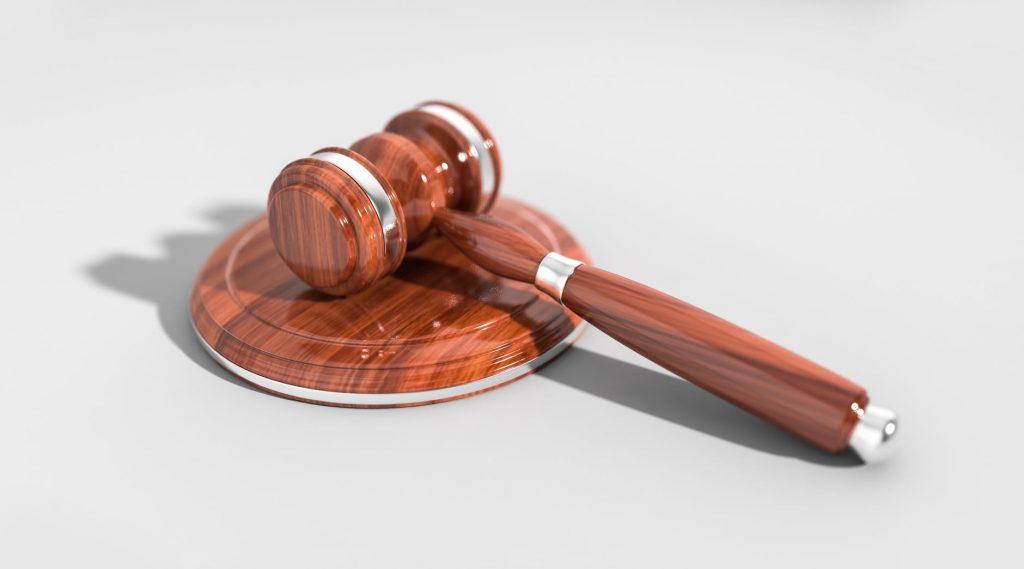 Pengertian Hukum Bisnis & Fungsi yang Perlu Diketahui