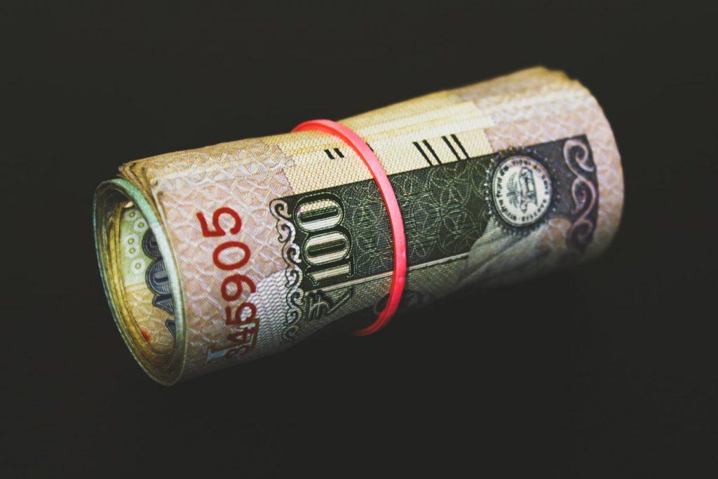 Tips Menyimpan Uang Tabungan Agar Tidak Dimakan Rayap