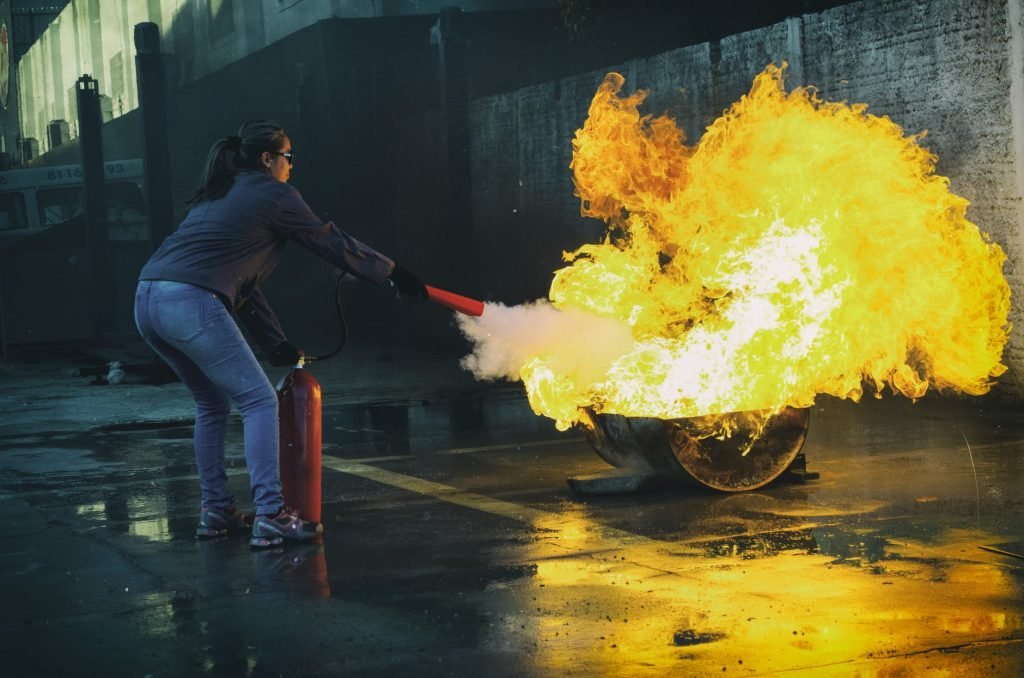 tabung pemadam kebakaran