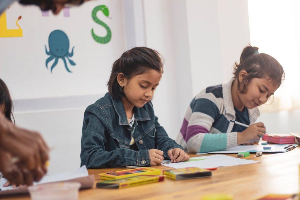 4 Bank Yang Beri Manfaat untuk Tabungan Pendidikan Anak