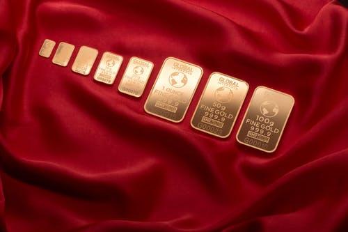 Harga Emas Terus Merangkak, Saatnya untuk Investasi Emas!