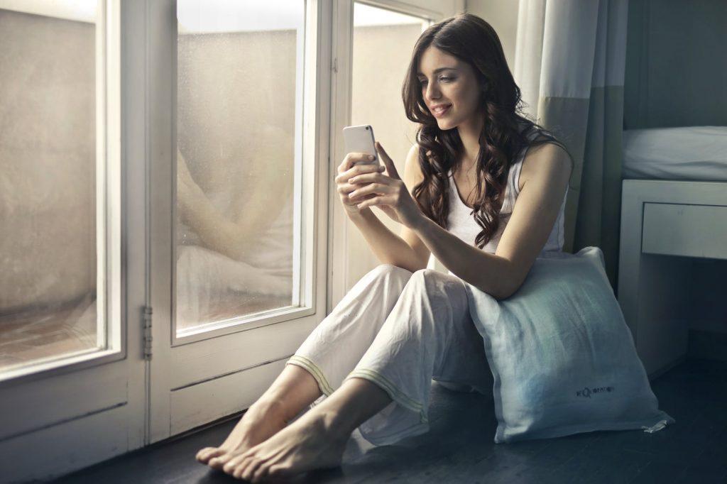 Tempat Baca Buku Online Secara Gratis di Internet