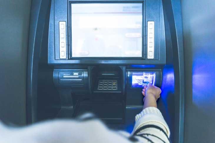 Cara Ambil Uang di ATM dengan Bukti Transaksi Berupa Resi