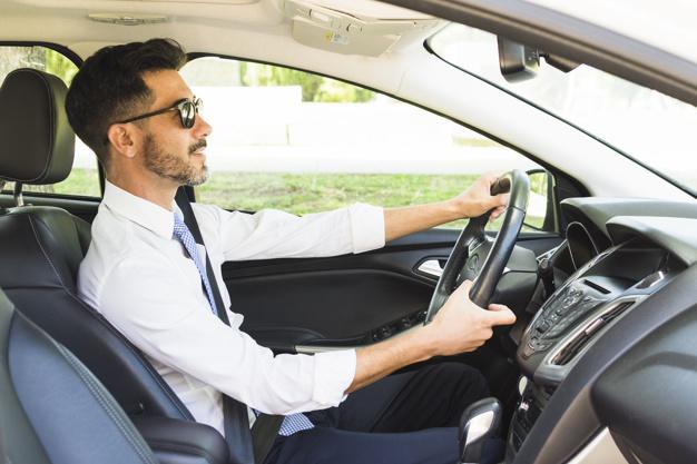 pengemudi grab mobil