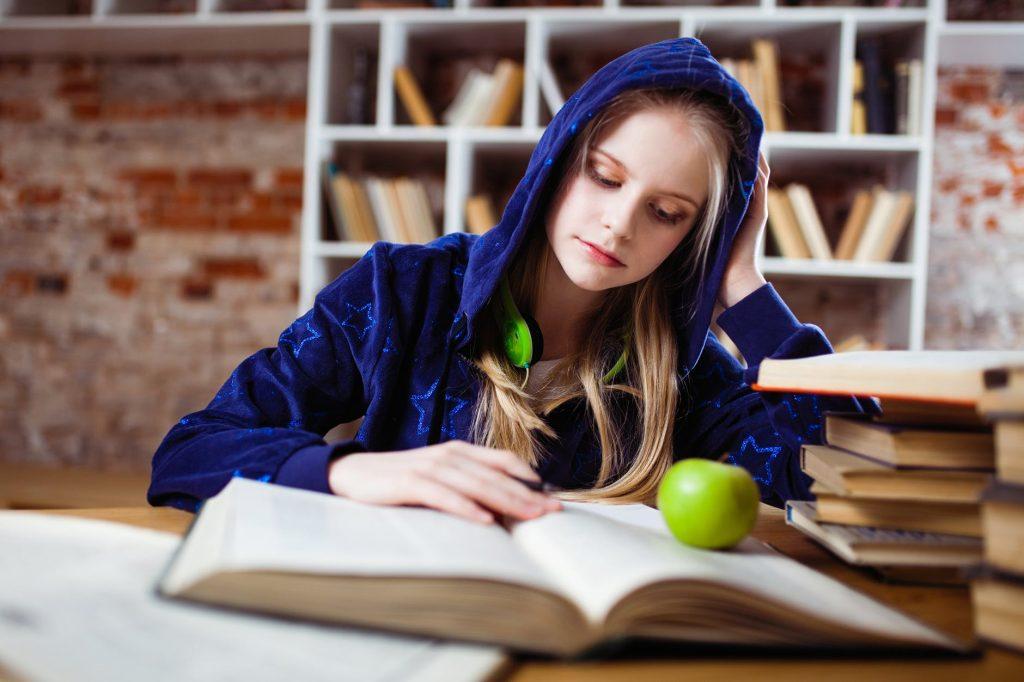 Macam-Macam Jurusan Kuliah S2 Online untuk Kamu yang Sibuk Kerja