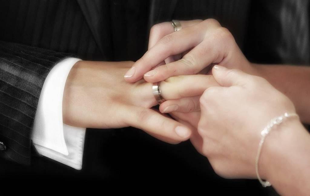 Harga Cincin Pernikahan