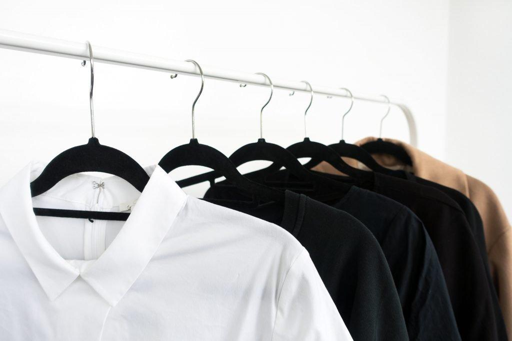 menjadikan isi lemari pakaian sebagai investasi