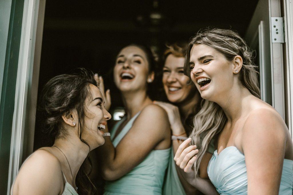 Masih bingung apa itu bridal shower? Berikut asal-usul serta serba-serbinya dari acara pesta melepas masa lajang bagi perempuan yang sedang hype saat ini.