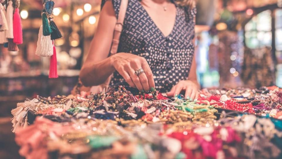 Ilustrasi artikel Ajaib: usaha sampingan di pasar