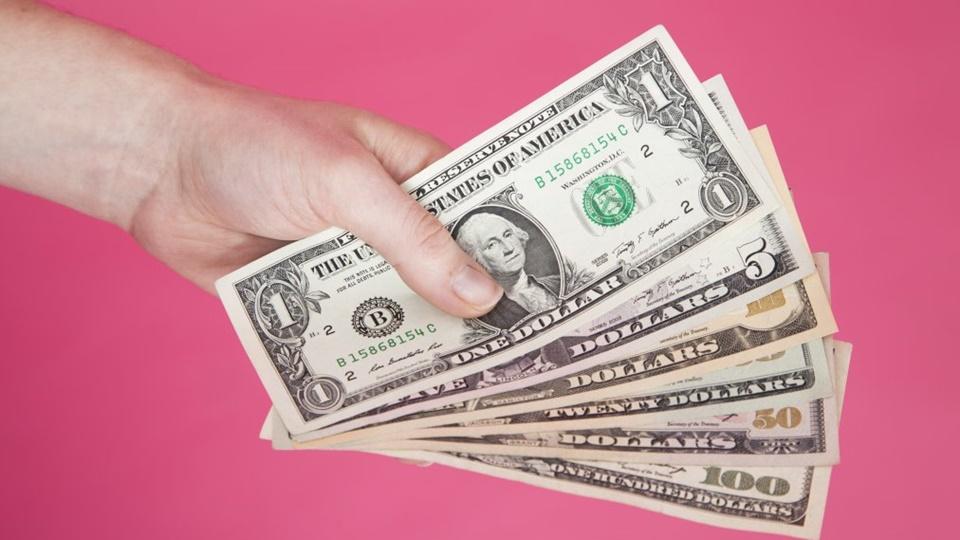 Tempat pinjam uang rentenir biasanya syaratnya mudah tapi bunganya tinggi
