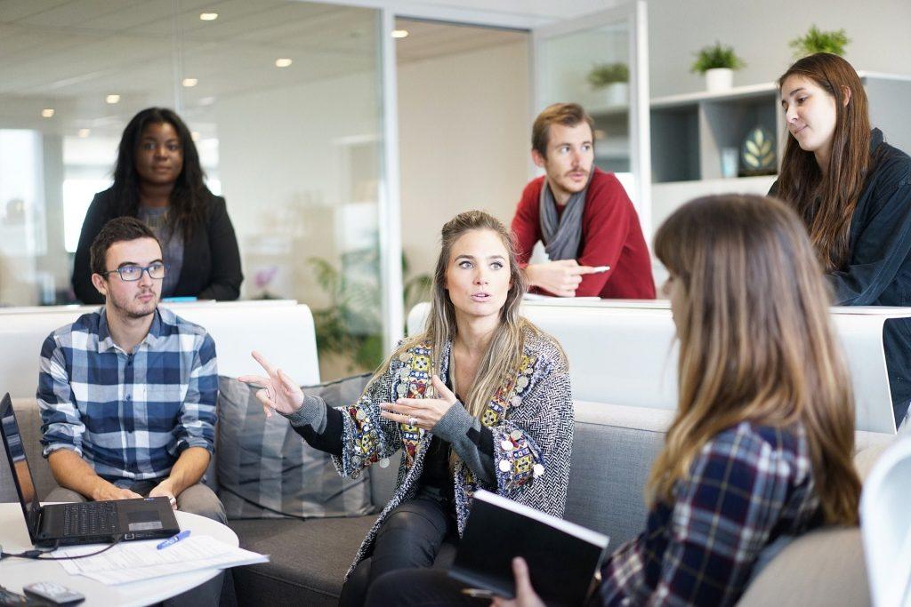 hambatan komunikasi mengganggu bisnis