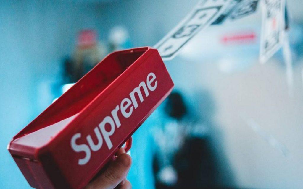 Rencana Pensiun Supreme: Jadi Jutawan dengan Streetwear